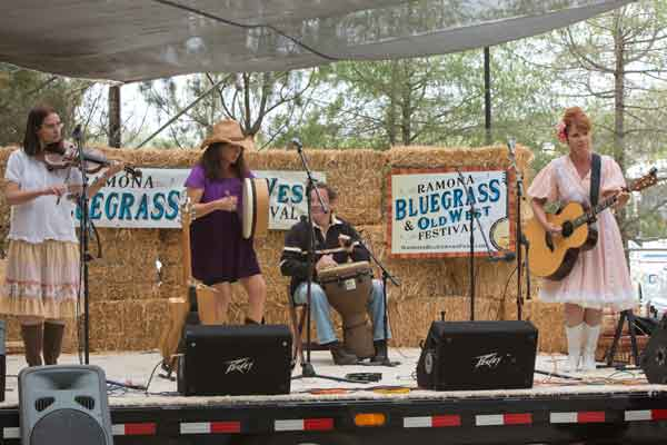 ramona-bluegrass-festival-band1
